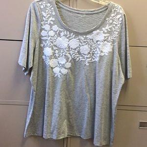 Tops - Women plus embroidery tee sz 18/20
